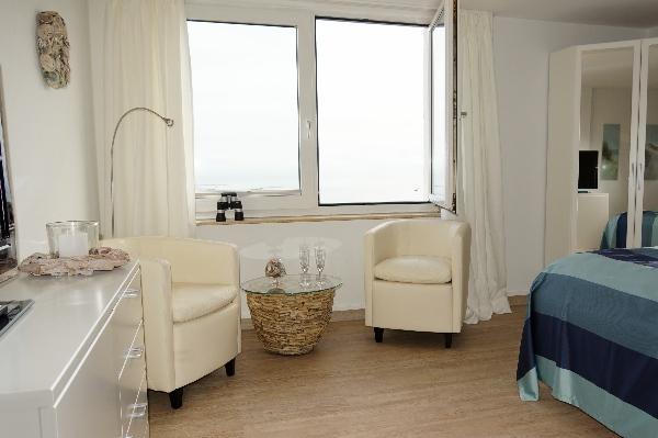 Sitzeckemit Seeblickfenster im Fernsicht, Apartment 8.