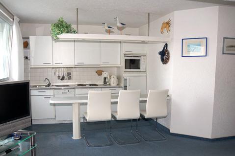 Voll ausgestattete Küchenzeile mit Geschirrspüler im Apartment Hilligen Lunn 2.